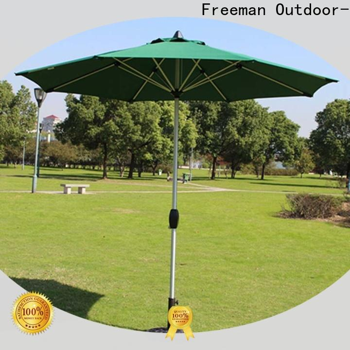 FeaMont stable outdoor umbrella production in street
