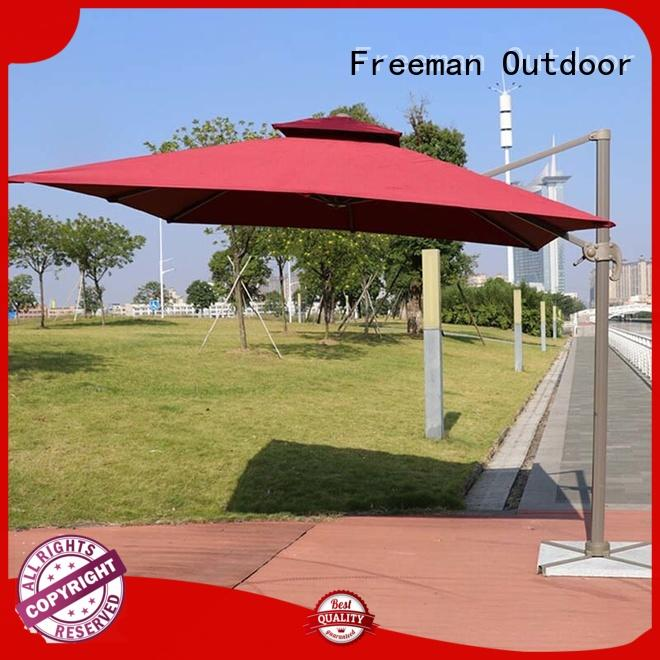 FeaMont rome square garden umbrella package in street